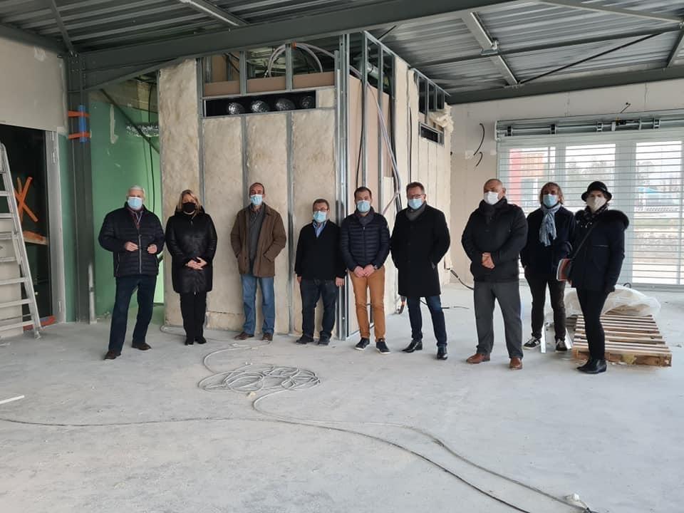 Une délégation de Troyes Champagne Métropole menée par Bertrand Chevalier, Vice Président, découvre le chantier de l'armurerie